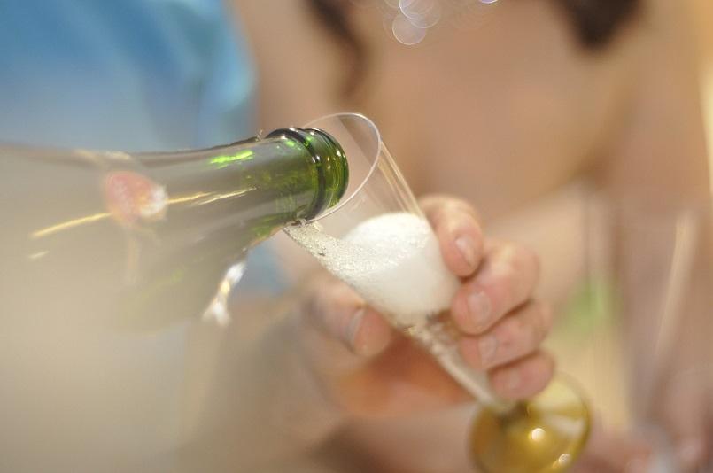 Как быстро опьянеть от шампанского