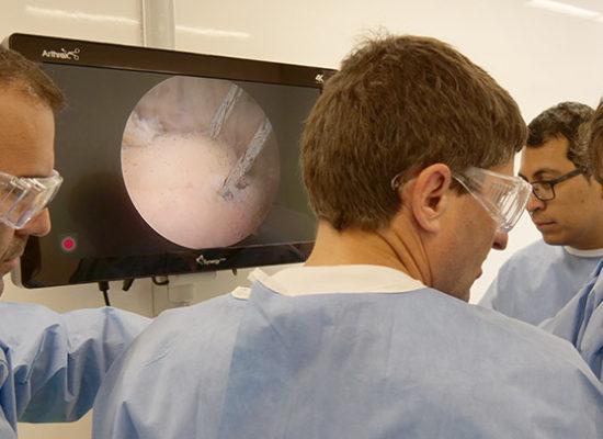arthrex-clinica-cemtro-cirugia-artroscopica